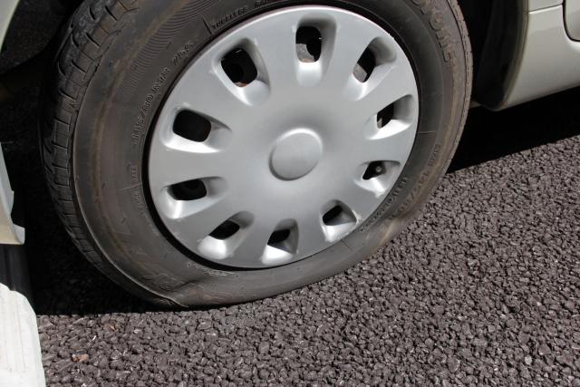 タイヤのパンクとスペアタイヤ