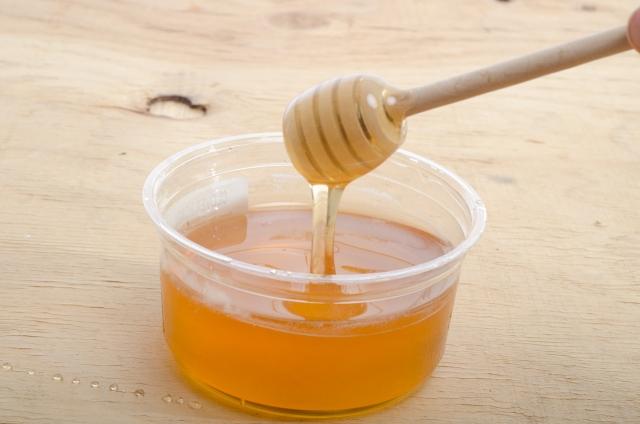 蜂蜜は赤ちゃんにあげたらいけない