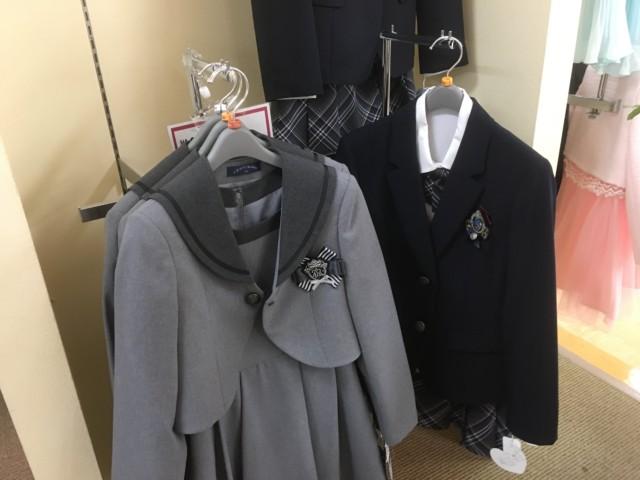 小学校の入学式の服